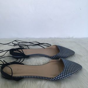 J.Crew Pointy Toe Gingham Lace Up Flats / Size 8.5